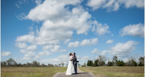 country-wedding-molino-florida-southern-manor-natural-light-gazebo-barn-rustic-purple_0018